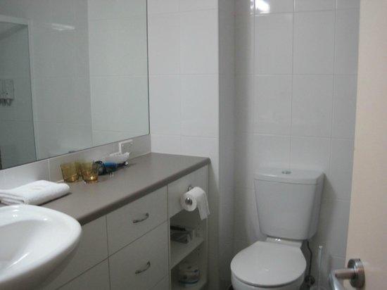 Aurora Ozone Hotel: il bagno
