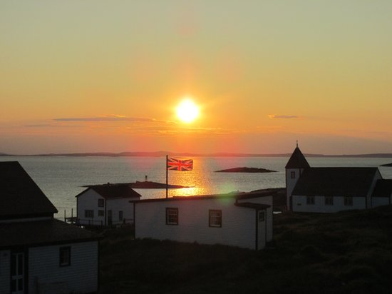 Battle Harbour Heritage Properties : Sunset