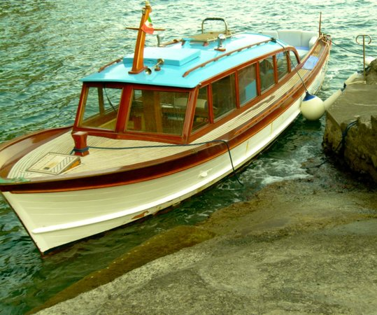 Villa Tre Ville: The water taxi used for tours and rides to Positano.