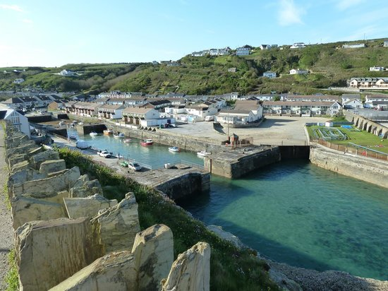 Cliff House Bed & Breakfast: Portreath Harbour