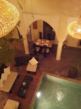 Riad Jardin des Reves: Por la noche, cuando se ilumina, es mágico