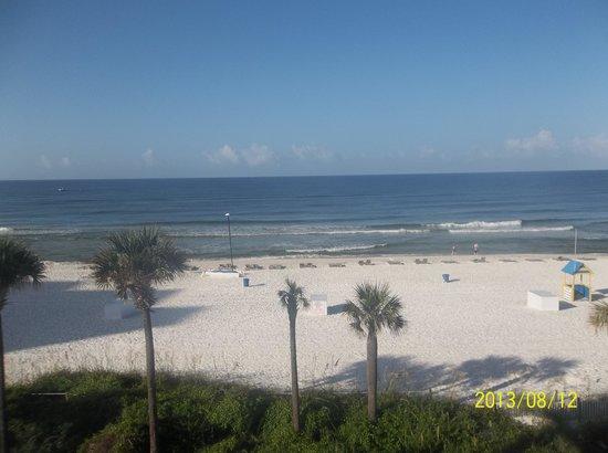 Beachbreak By The Sea: balcony view