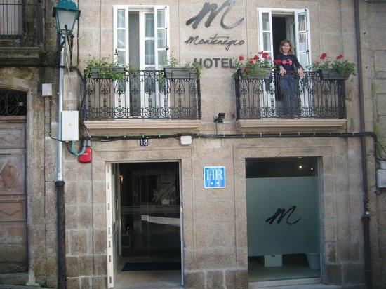 Hotel Montenegro Compostela: Entrada del hotel