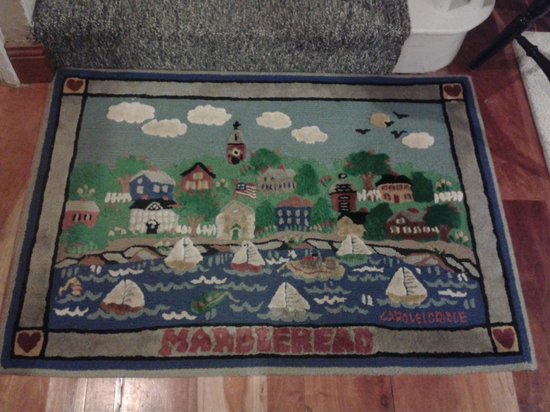 Seagull Inn: Beautiful mat that takes you upstairs in the inn