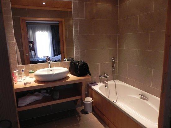 Hotel Neige Et Roc : Une partie de la salle de bains
