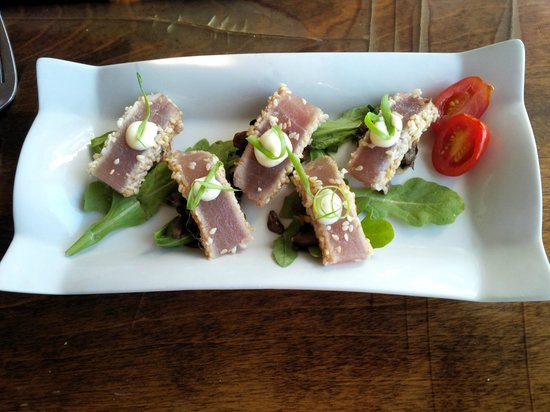 The Galley Restaurant & Lounge: Tuna carpaccio