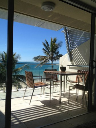 Fairshore Beachfront Apartments: Great View