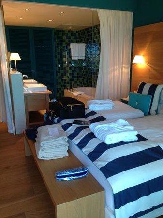 chambre avec salle de bain intégrée - Picture of Falkensteiner Hotel ...