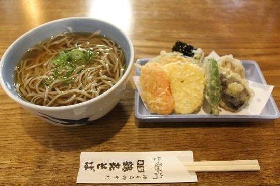 Honke Tsuruki Soba Honten: 野菜天とそば