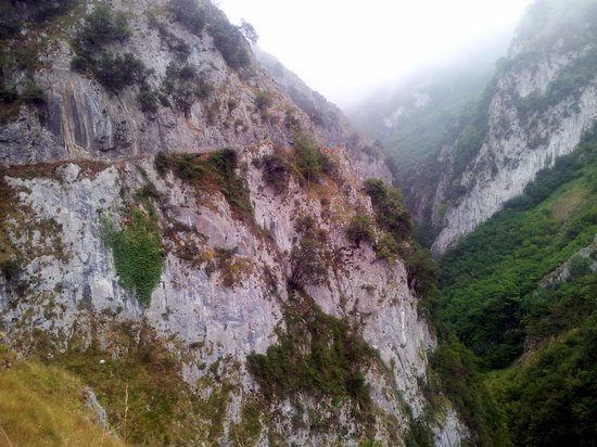 Ruta de las Xanas : Desfiladero