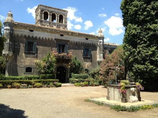 SAT Group Tours: Castello degli Schiavi - Godfather Tour - Sicily