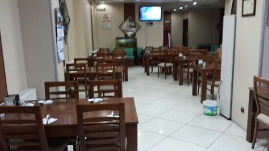 Lezzet Sofrasi: mütevazı salonumuz