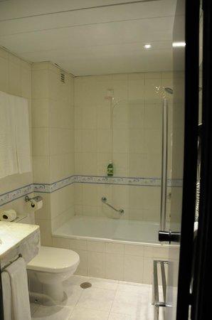 Hotel Avenida de Fatima: Bathroom