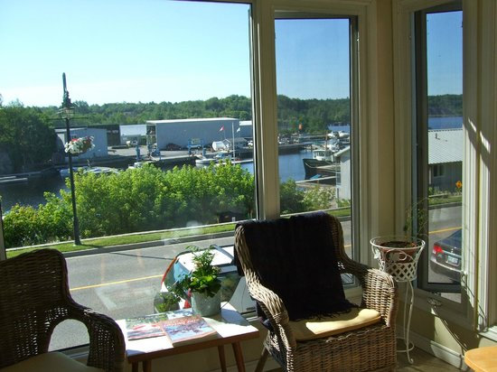 40 Bay Street Bed & Breakfast : View from the sun room upstairs