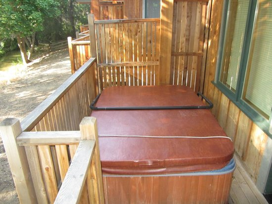 River's Edge Resort: Hot Tub