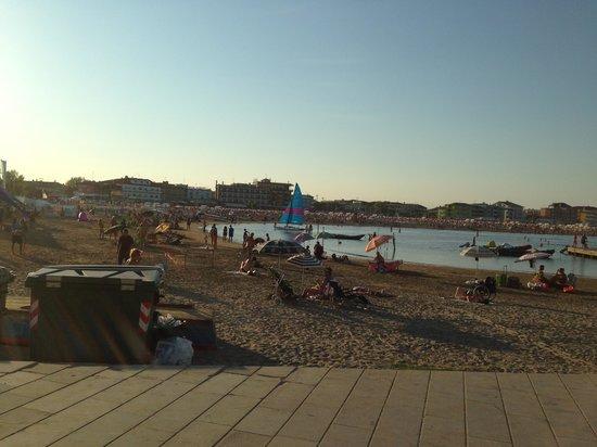 Spiaggia di Levante : Spiaggia libera