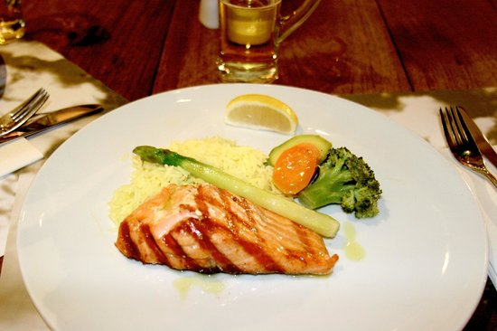 Familia Omerta di Cucina: Salmon Dinner