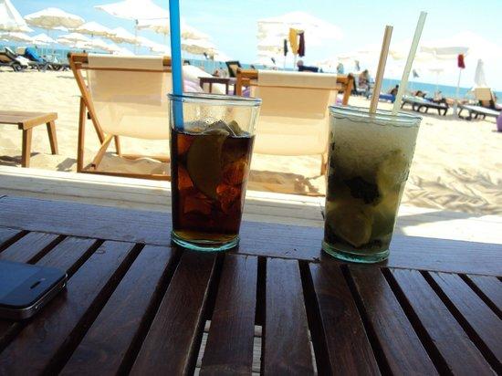 Alba Hotel: Mojito at Bikini Beach