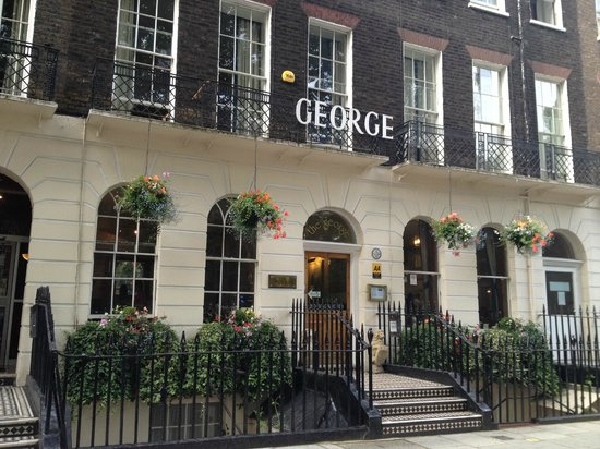 The George Hotel: View from outside