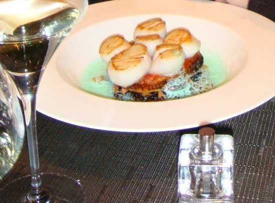 La Table des Lys : 2008 Simply divine scallops and green foam