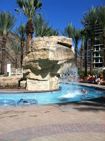 Harrah's Resort Southern California: the all new lazy river all ages pool