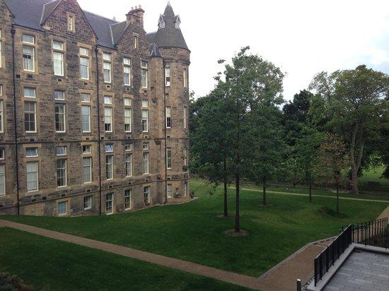Edinburgh City Pads: Views from 16 Simpson Loan