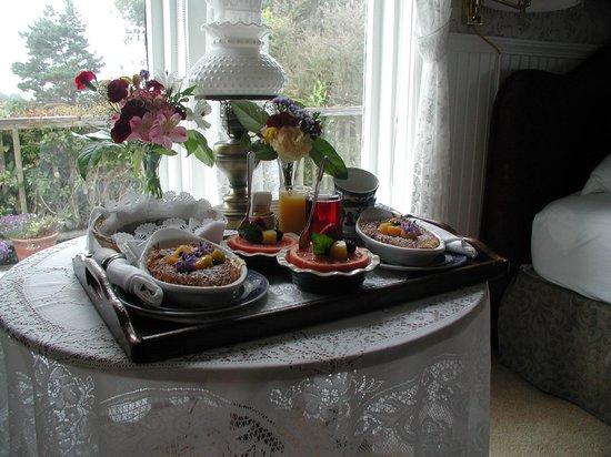 Headlands Inn Bed & Breakfast: A fantastic breakfast