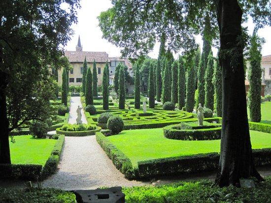 Giardini giusti verona picture of palazzo giardino for Giardino e palazzo giusti