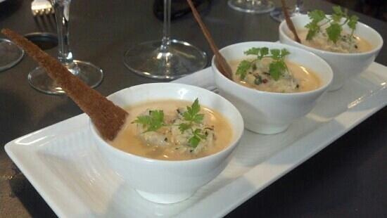 La Maison d'Elise : soupe de tourteau. août 2013