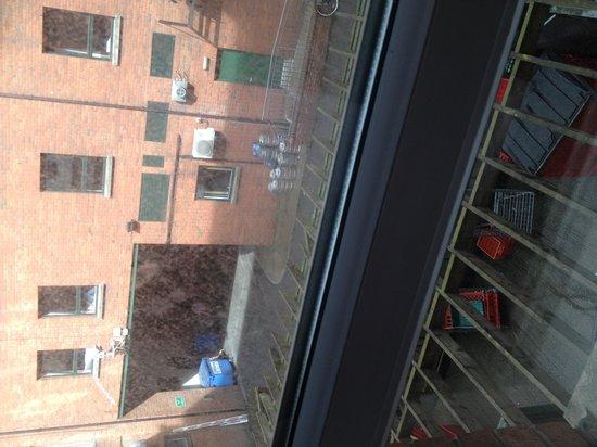 Jurys Inn Belfast: View from room
