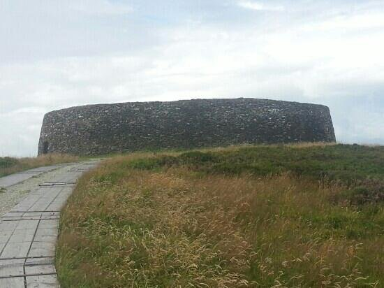 Grianan Of Aileach: an grianan from the car park