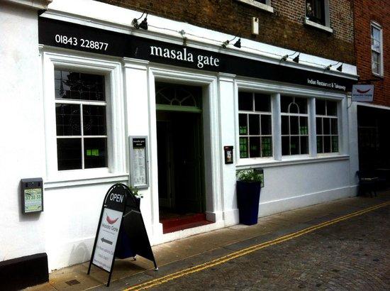 Masala Gate Indian Restaurant & Takeaway: Masala Gate - exterior