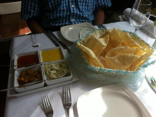 Masala Gate Indian Restaurant & Takeaway: Papadums & pickles