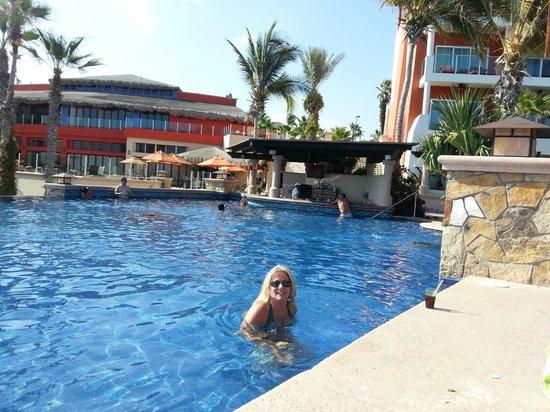 Welk Resorts Sirena Del Mar: hotel pool bar view