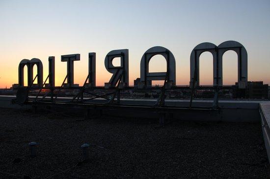 Maritim proArte Hotel Berlin: Pôr do sol no terraço no topo do prédio