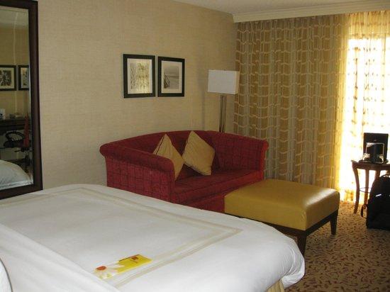 Boca Raton Marriott at Boca Center: Nice sofa bed