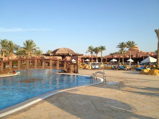 SENTIDO Oriental Dream Resort : Piscine