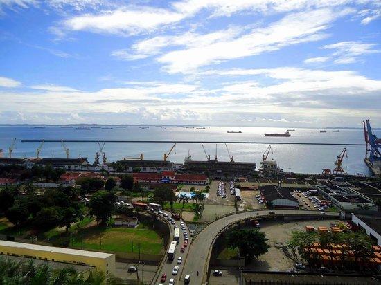 Pousada Hilmar: Vista da Baía de Todos os Santos, a partir da sacada da pousada.