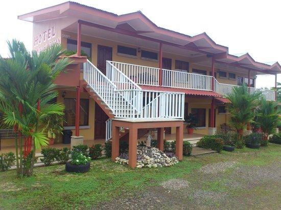 Hotel Suenos del Volcan: Hotel
