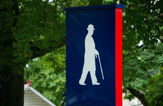 Harry S Truman National Historic Site: Along Truman's Walking Path