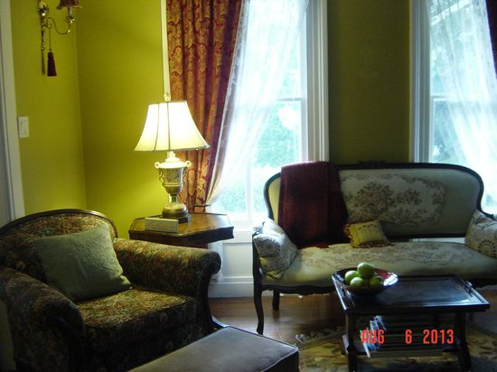 Arbor View House Bed & Breakfast : Sitting/Reading Room