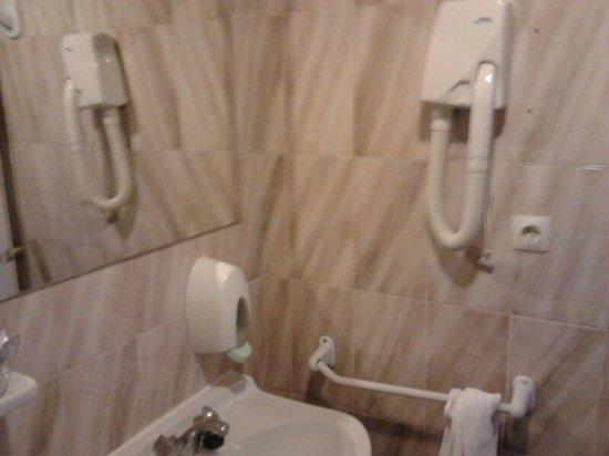 Hotel Comercio : Baño con secador