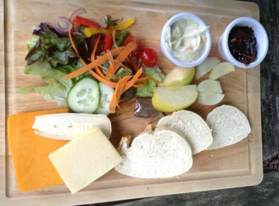"""Moulin Hotel: ploughman's with """"chunky"""" bread"""