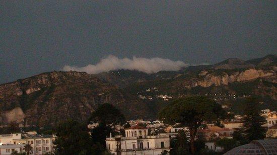 Hotel La Pergola: Вид с террасы