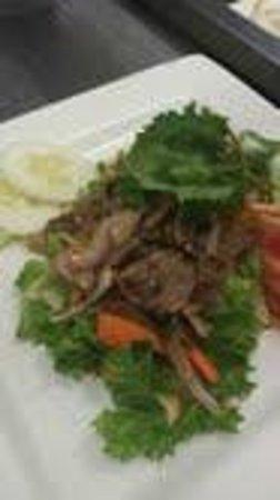 Cafe de Pho-Thai: Thai Beef Salad $ 7.95