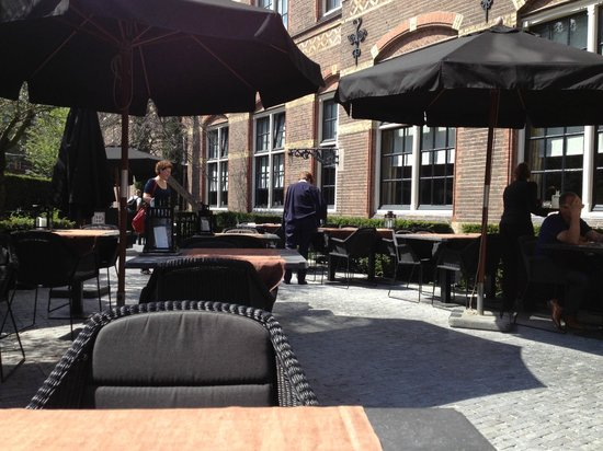 The College Hotel: Outside dining/drinks terrace
