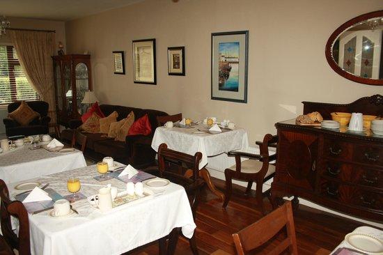 Sli Na Mara: Dining Room