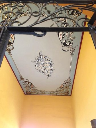 Casa Alebrijes Hotel : Just one of the many beautifully restored ceilings in the hotel.