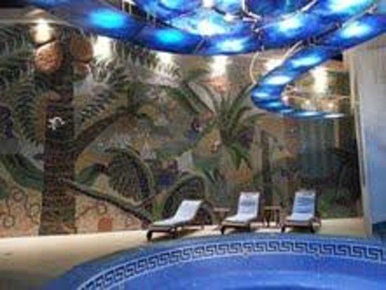 La Muralla: Swimming pool.