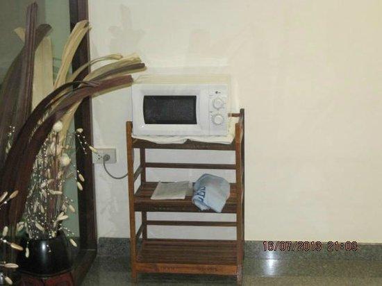 D Apartment: Microwelle ist duer alle gaeste um was aufzewaermen